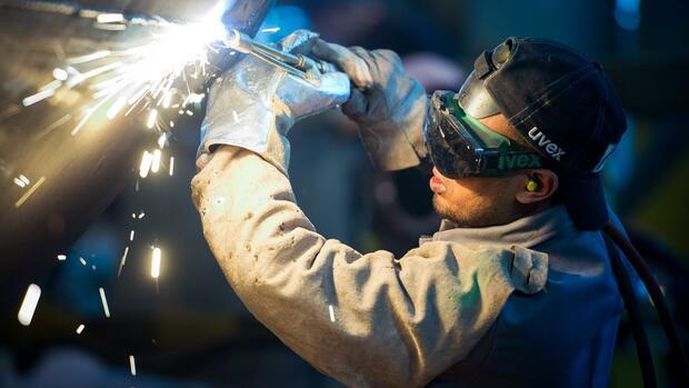Fachkräfte: Mehr als 183.000 unbesetzte Stellen in Engpassberufen