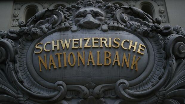Schweizerische Nationalbank: SNB schwächt den Franken und stellt Geld für Banken bereit