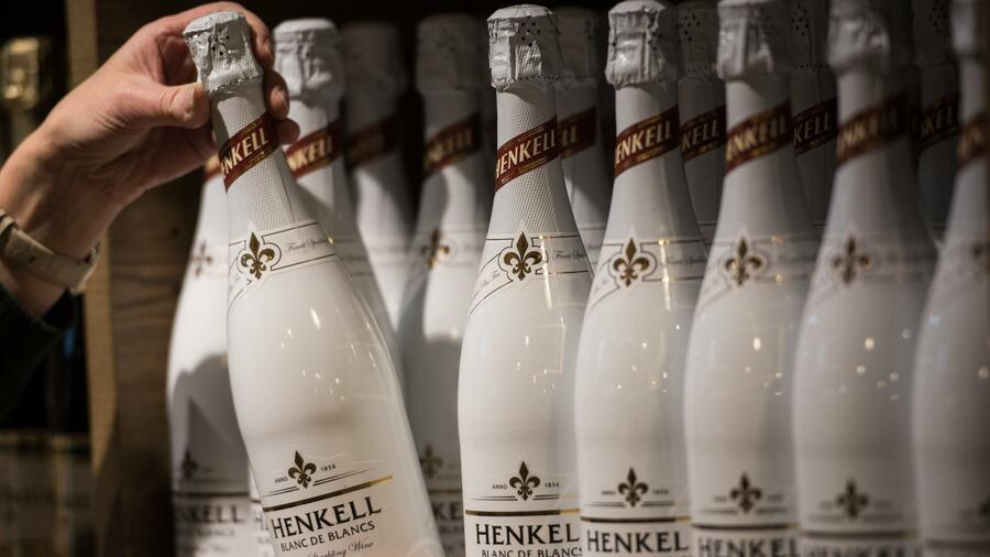 Wiesbadener Sektkellerei Henkell übernimmt Mehrheit an Freixenet