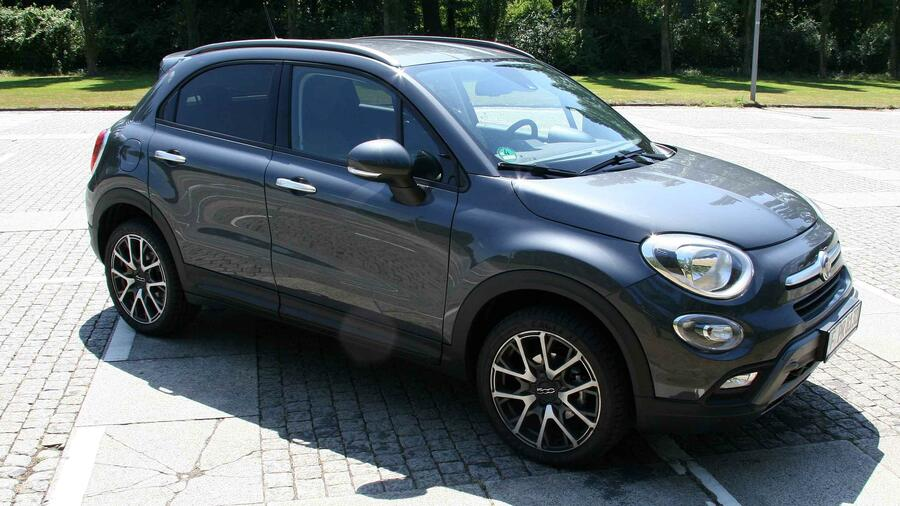 fiat 500 x cross im detail knutschkugel auf abwegen. Black Bedroom Furniture Sets. Home Design Ideas