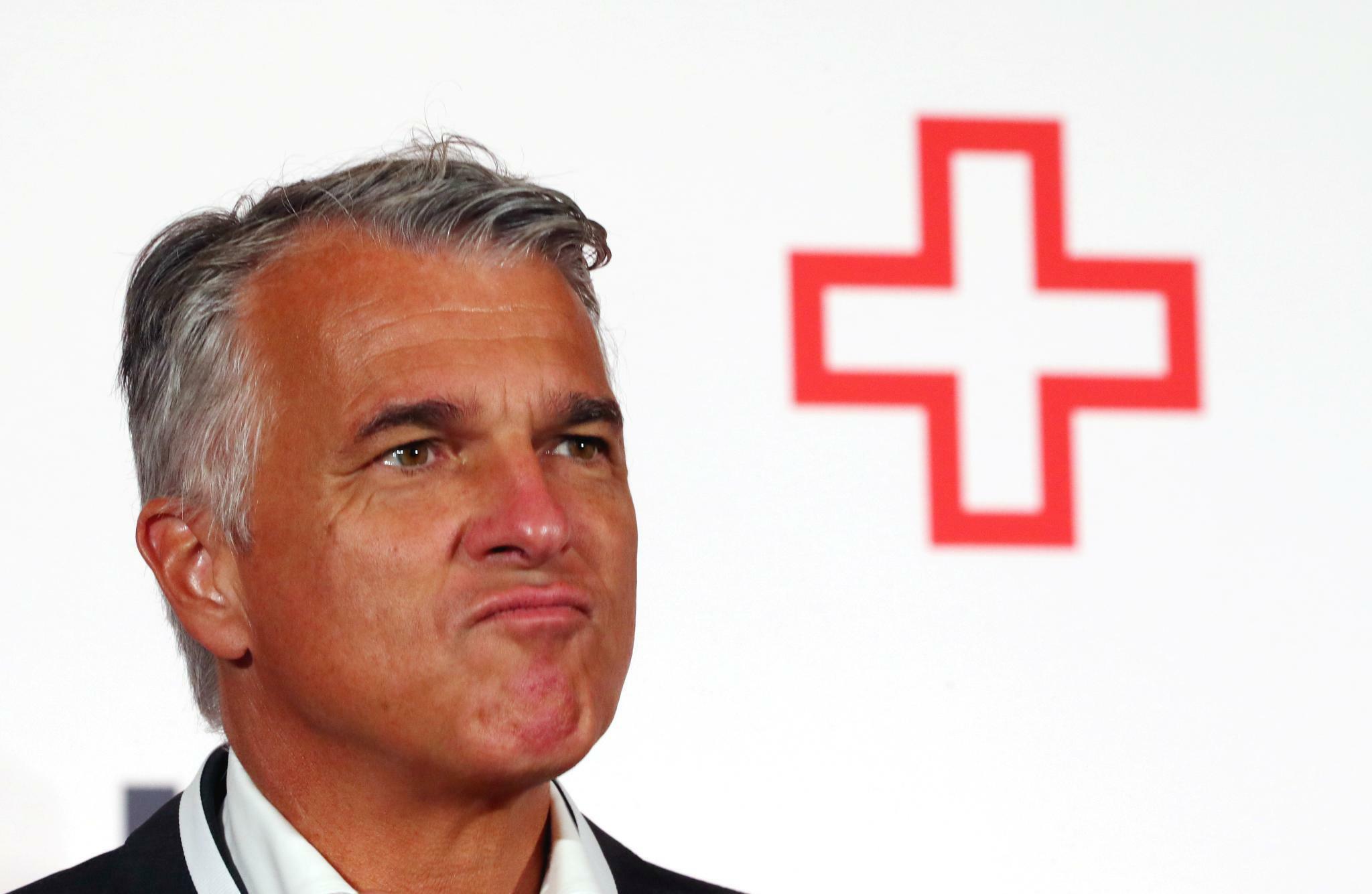 Schweizer Großbank UBS kassiert Ziele und verkauft Fondscenter an Deutsche Börse