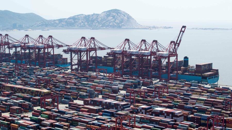 Der mit Abstand größteContainerhafen der Welt befindet sich im chinesischen Shanghai. Quelle: AFP