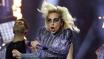 Singer Lady Gaga performs during the halftime show at Super Bowl LI between the New England Patriots and the Atlanta Falcons in Houston, Texas, U.S., February 5, 2017. REUTERS/Adrees Latif Quelle: Reuters