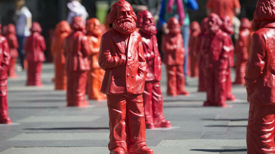 Skulpturen der Kapitalismuskritikers Karl Marx in Trier