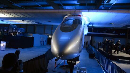 Solar Impulse 2 Dieses Solarflugzeug Soll Um Die Welt Fliegen