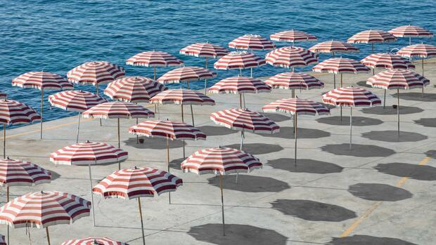 Touristik: Urlauber sollen ab Mitte Juni für Stornierungen zahlen