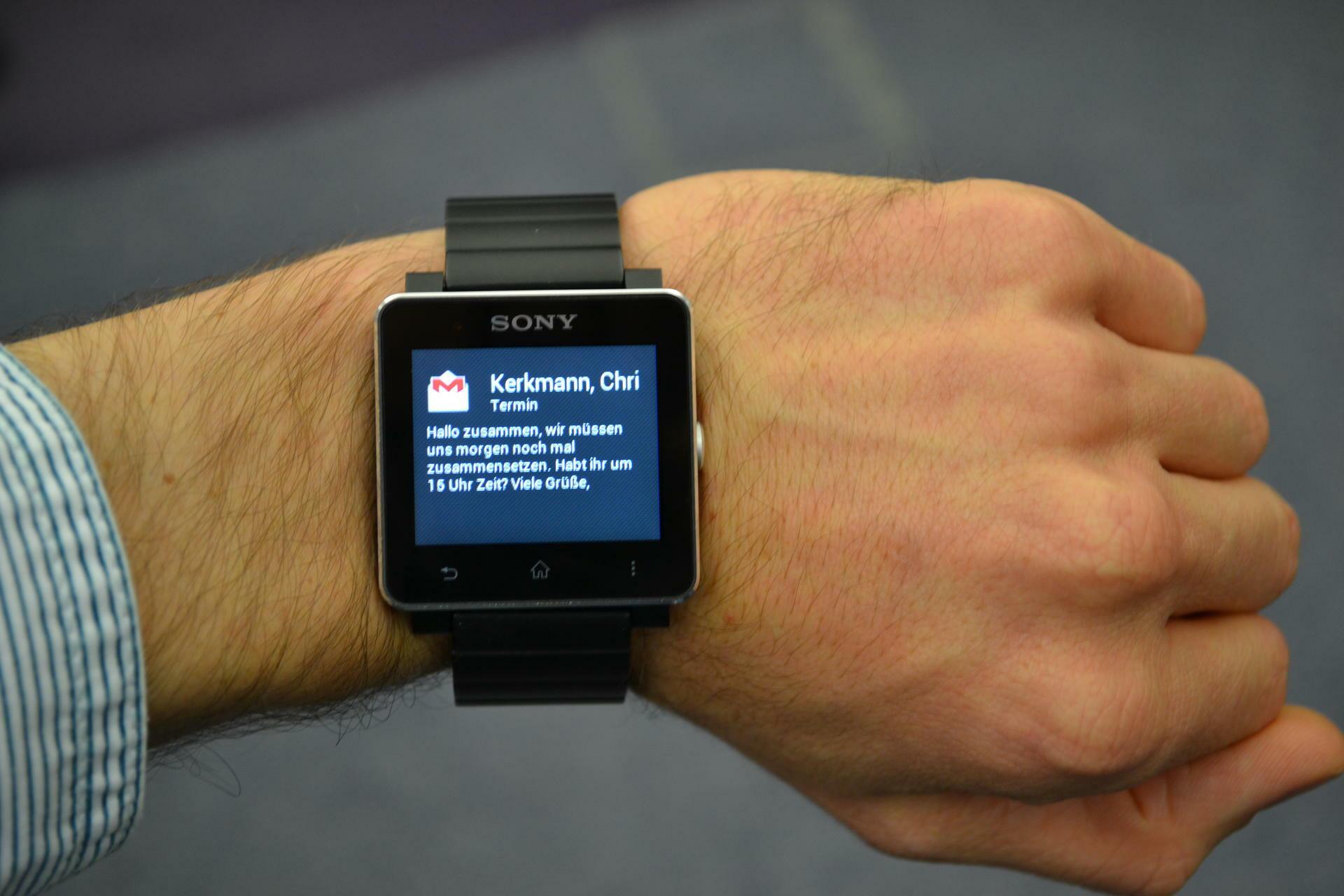 Sony Smartwatch 2: Diskretes Brummen am Handgelenk ...