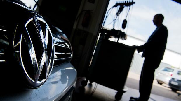 Dieselaffäre: VW kündigt involvierten Mitarbeitern zu spät