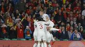 Fußball: England schockt Spanien und wahrt Chance auf Gruppensieg