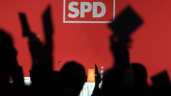 CDU- und CSU-Spitzen beraten über SPD-Votum zu Koalitionsgesprächen