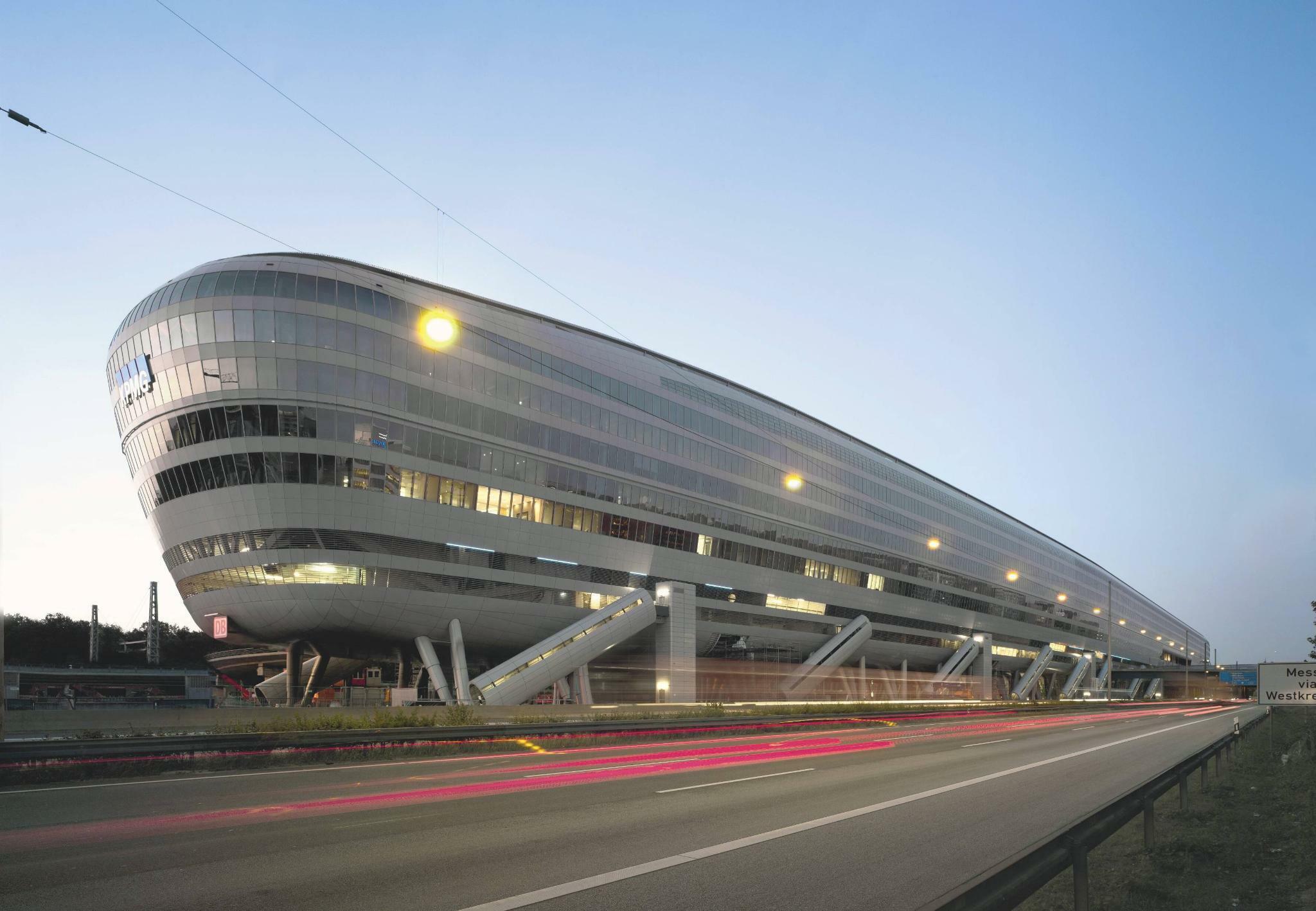 Frankfurter Immobilie Squaire für 940 Millionen Euro verkauft