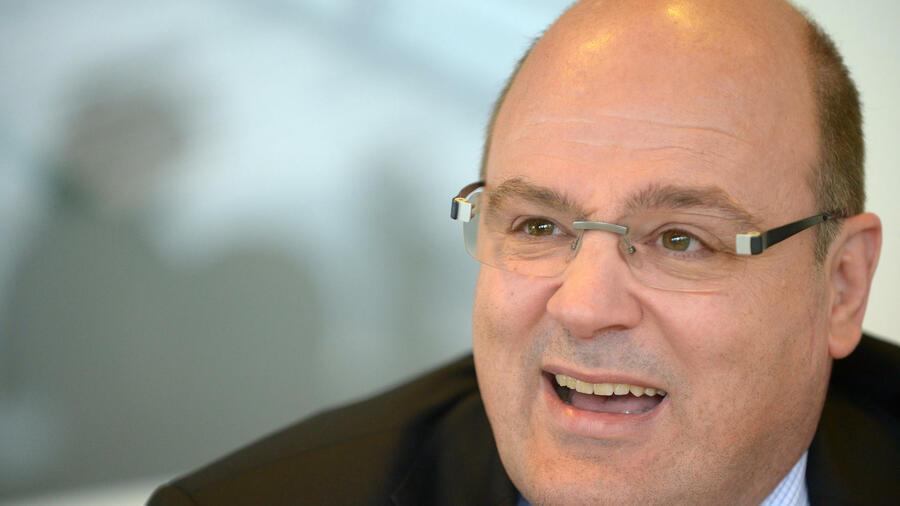 Roland koch dirk niebel otto schily diese politiker for Koch politiker