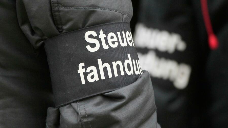 Neue Razzien: Versicherer und Freshfields-Anwälte geraten ins Visier der Ermittler