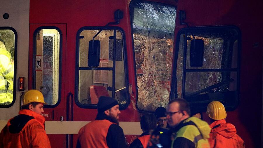 Mehr als 40 Verletzte bei Tram-Unfall: Fahrer war alkoholisiert