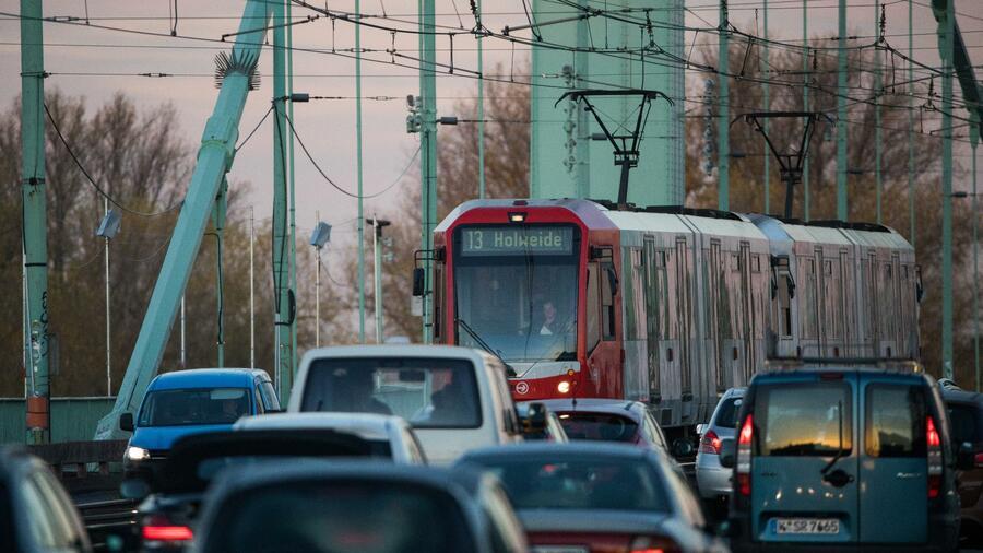Straßenverkehr Köln