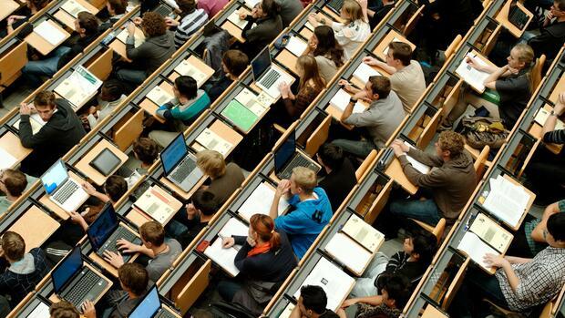 Hochschulen : Teilzeitstudium: Es mangelt an Angeboten – und am Geld