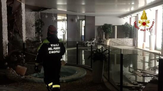 Die Suche nach Überlebenden im Berghotel geht weiter