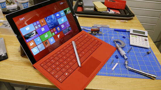 Surface-Tablet im Microsoft-Labor