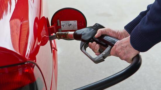 auto unterhaltskosten benzin so billig wie vor drei jahren. Black Bedroom Furniture Sets. Home Design Ideas