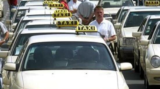 gebrauchte taxi fahrzeuge bei ausrangierten droschken ist. Black Bedroom Furniture Sets. Home Design Ideas
