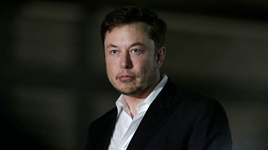 Elon Musk raucht Joint in einer Live-Sendung