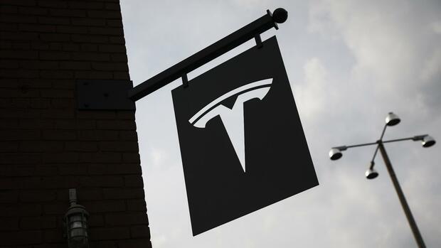 Tesla: Sonderausschuss soll Börsenrückzug vorbereiten