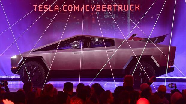 """Cybertruck"": E-Pick-up im Kampfjet-Look: Mit diesem Auto greift Tesla im wachstumsstärksten US-Segment an"