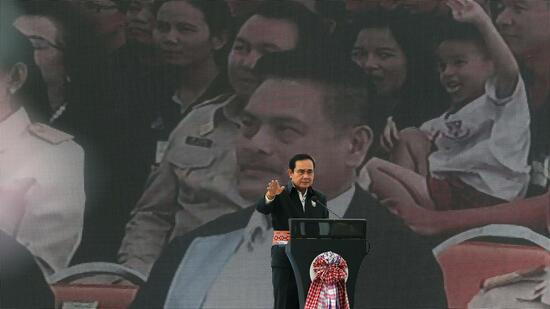 Militärregierung in Thailand kündigt Wahlen an