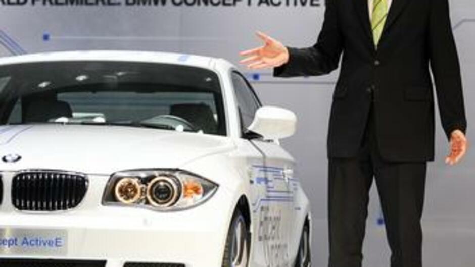 Autobranche Autobranche Lacht über Kleiderordnung Bei Bmw