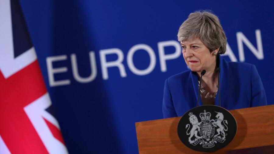 May will offenbar bis zum Brexit-Abschluss im Amt bleiben