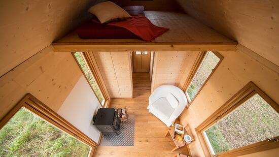 mobiles holzhaus vom tischler schlafzimmer unterm first. Black Bedroom Furniture Sets. Home Design Ideas