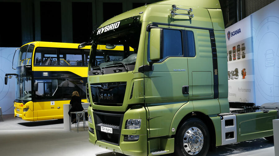 Parting ways: Sources: VW preparing listing of truck subsidiary
