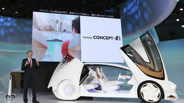 Kühlschrank Transport Auto : Konzept robocas hondas niedlicher autonom rollender kühlschrank