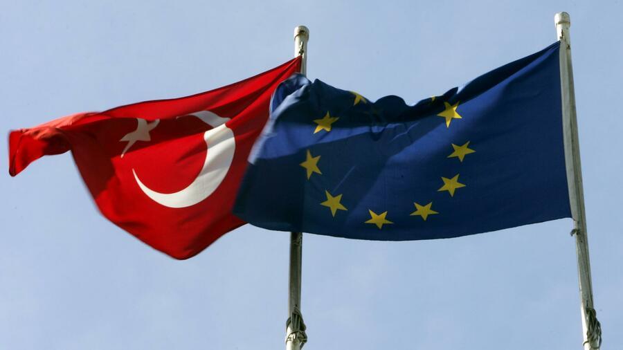 EU gibt Türkei weitere 3 Milliarden Euro für Flüchtlinge