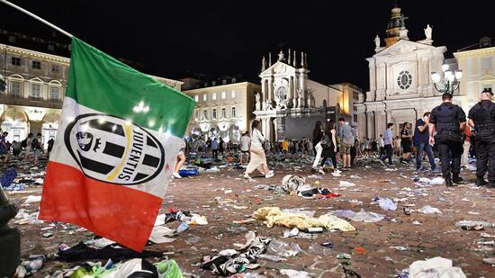 Massenpanik in Turin: 1.500 Verletzte beim Public Viewing