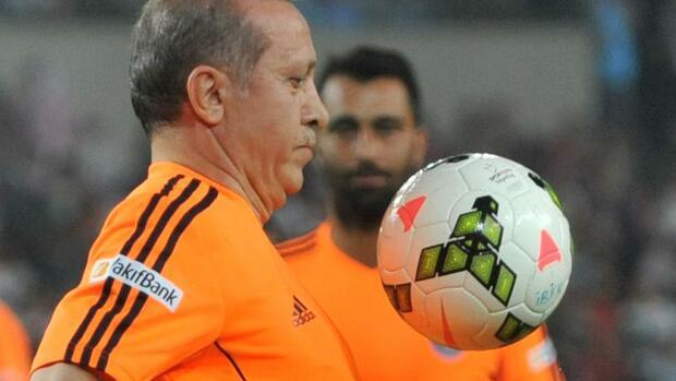 Att Com Login >> Erdogan als Fußballer: Kick it like Erdogan