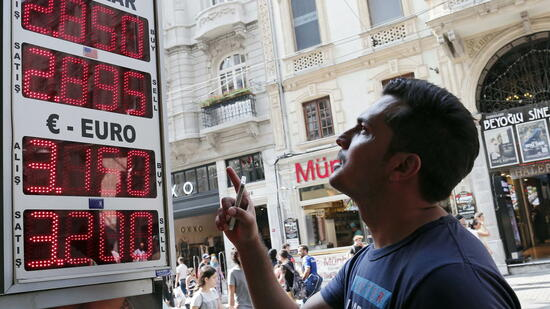 Turkish lira hits all-time low