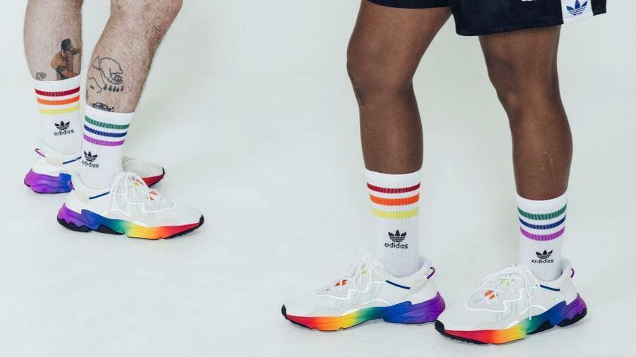 FC Bayern München: Foto mit Nike Schuhen ruft Adidas auf den