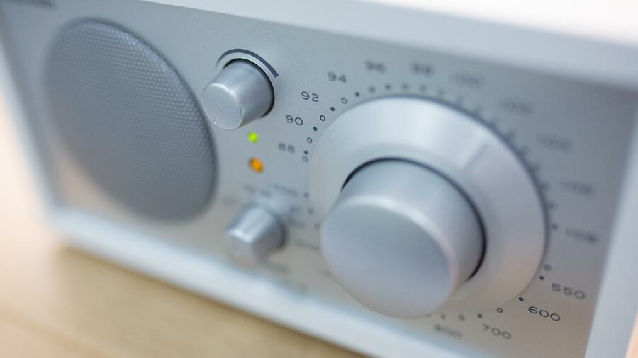 Bundesnetzagentur verkündet Einigung: Keine UKW-Radio Abschaltung