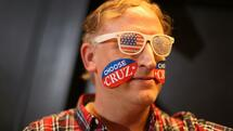 SOUTH BEND, IN - APRIL 28: Joe Wierzbizki shows his support for Republican presidential candidate Sen. Ted Cruz (R-TX) during a campaign rally at the Century Center on April 28, 2016 in South Bend, Indiana. Cruz continues to campaign leading up to the state of Indiana's primary day on Tuesday. Joe Raedle/Getty Images/AFP == FOR NEWSPAPERS, INTERNET, TELCOS & TELEVISION USE ONLY == Quelle: AFP