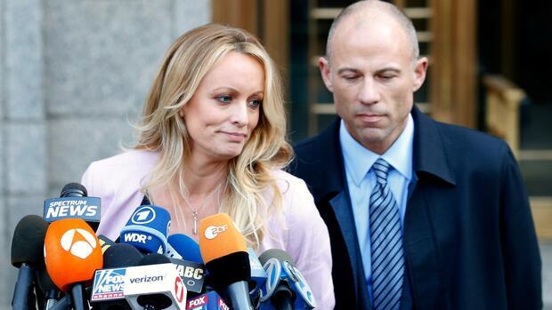 USA: Anwalt Avenatti soll Hunderttausende Dollar von Stormy Daniels unterschlagen haben