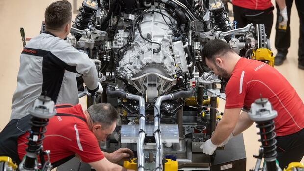 VW, GM, BMW: Welche Hersteller ab wann auf Verbrenner verzichten - Handelsblatt