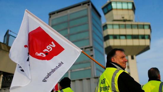 Verdi droht mit unangekündigten Flughafen-Streiks