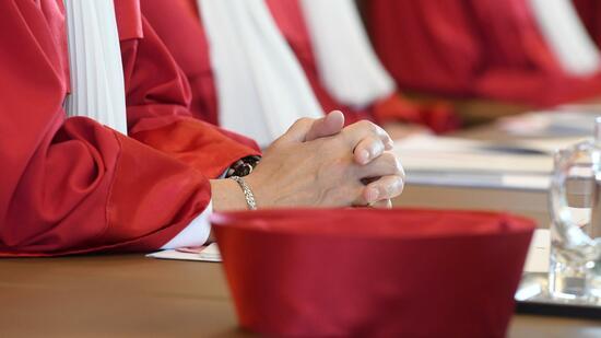 Gerichte müssen vor Abschiebung Foltergefahr prüfen