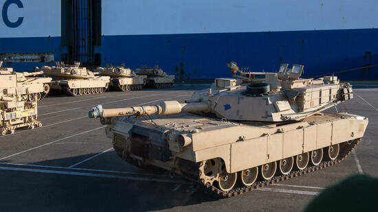"US-Operation ""Atlantic Resolve"": Erste Panzer in Bremerhaven entladen"