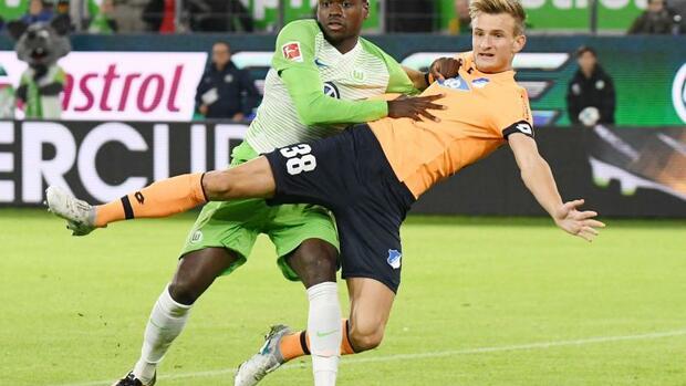 Fußball: Wolfsburg durch fünftem Remis unter Schmidt