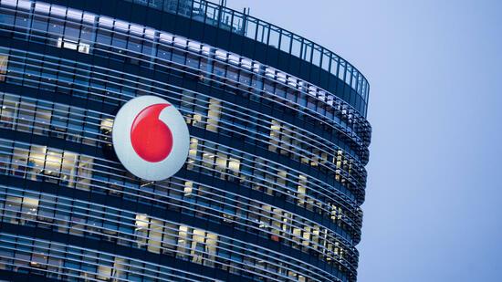 Wirtschaft | AKTIE IM FOKUS: Erwarteter Milliardenzufluss stimmt die Vodafone