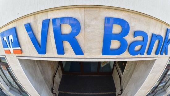 Höhere Gebühren und weniger Filialen bei Volksbanken