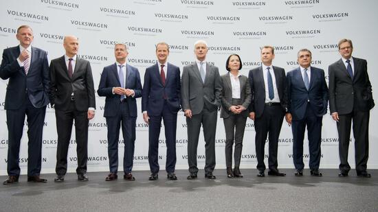 http://handelsblatt.com/images/volkswagen-vorstand-2016/19440610/2-format2010.jpg