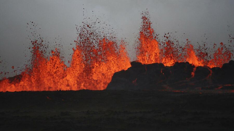 wieviel vulkane hat island